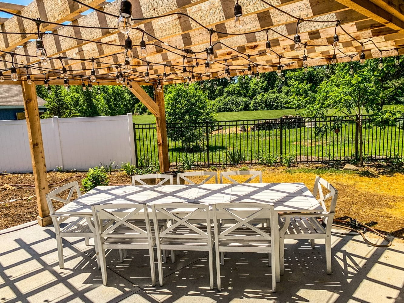 Pergola Dining Space by BGW Construction