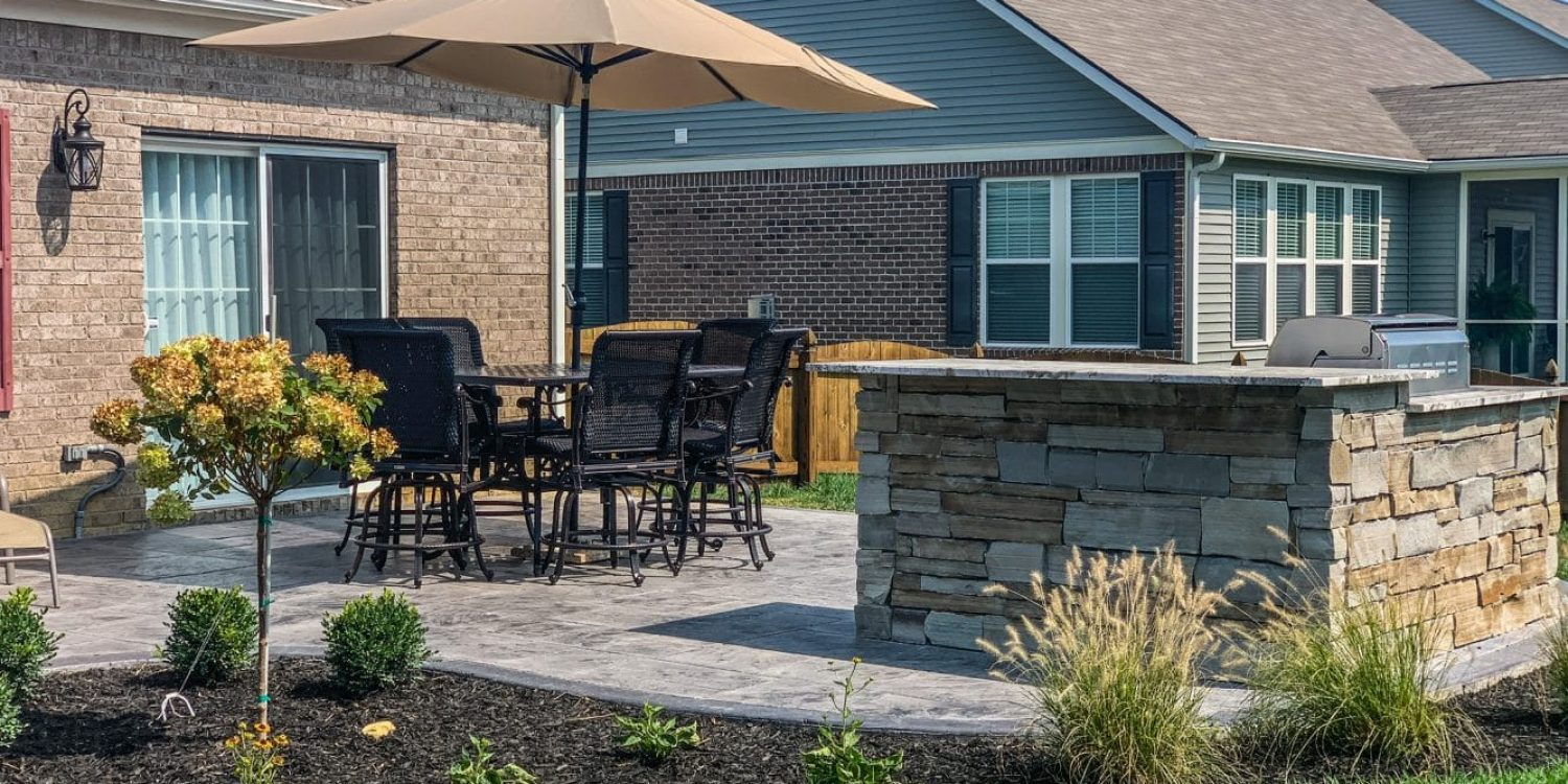 Outdoor Living in Style - Outdoor Patio Bar